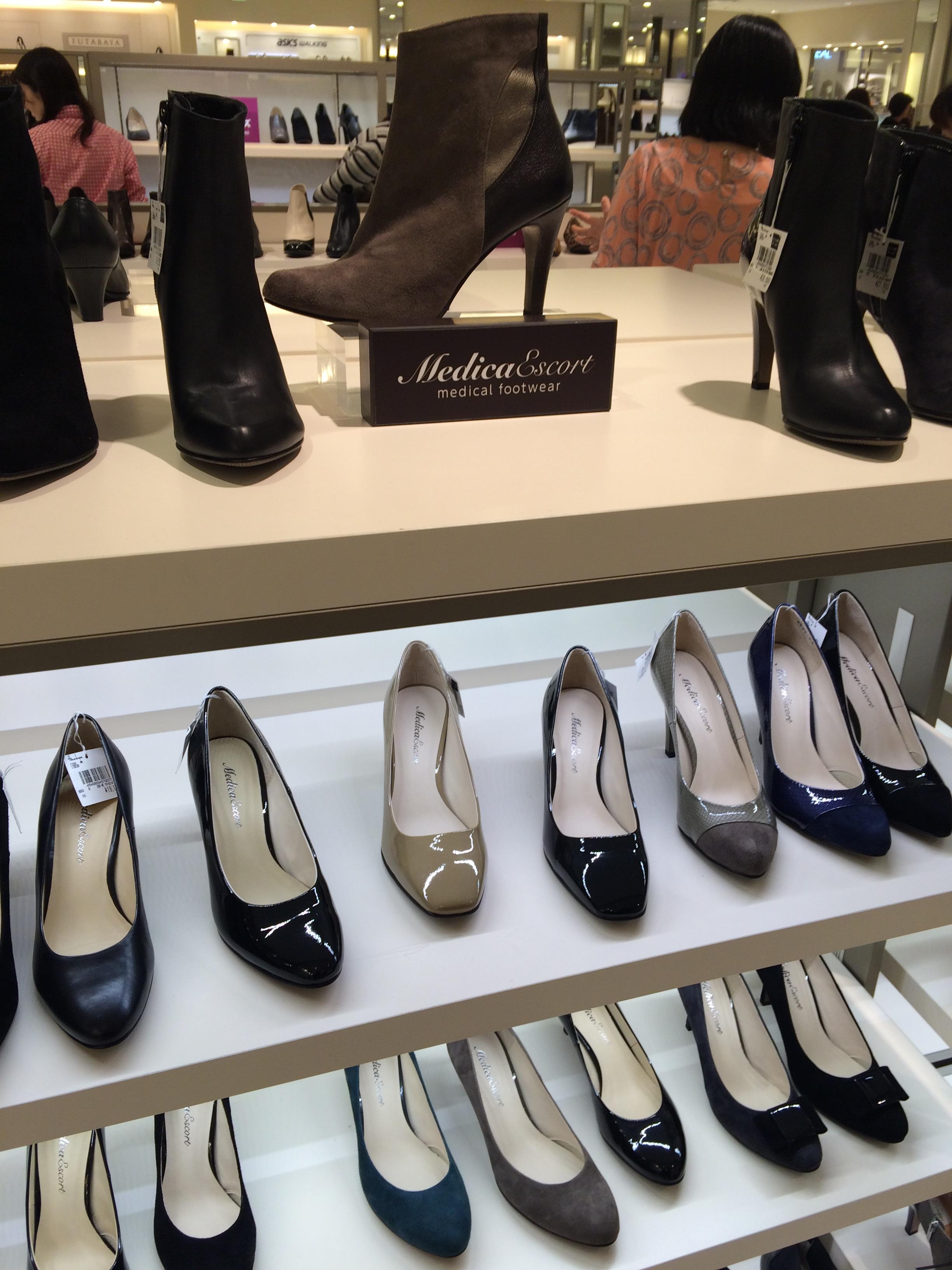 外反母趾になる原因は「靴選び」のせい?